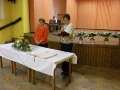Mesiac úcty k starším a výročie sobášov